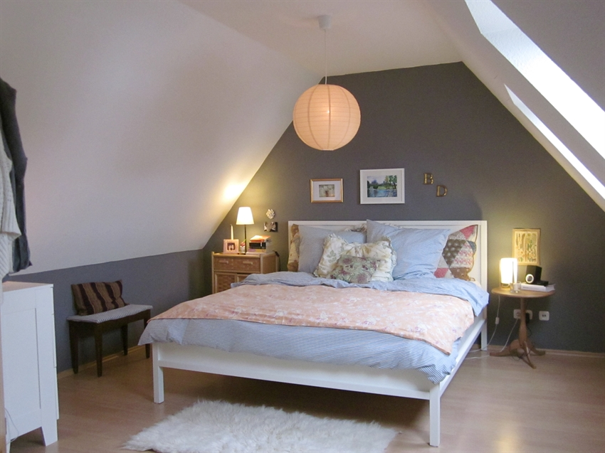 wonderful_attic_room_design_ideas_with_curved_ceiling_and_bedroom_interior_appealing_attic_bedroom_design_ideas_with_grey_wall_and_white_ceiling_featuring_skylig